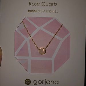 🌹Rose quartz super cute necklace🌹